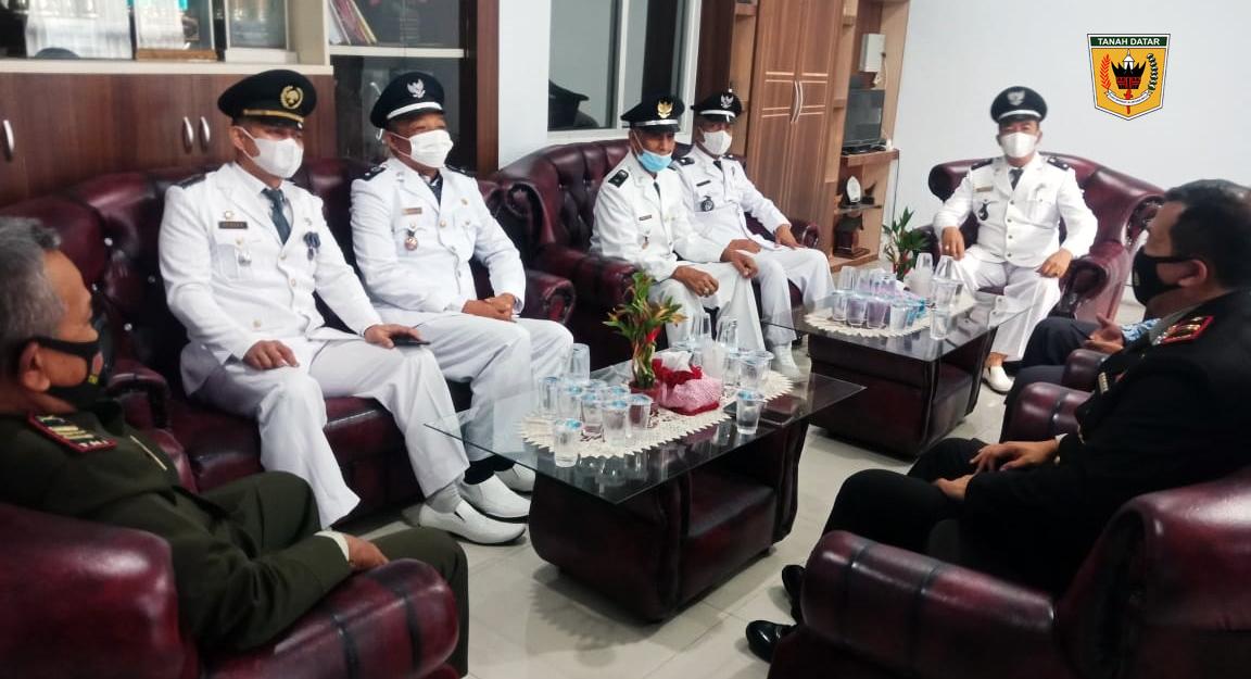 Walinagari Baringin H. Irman Idrus hadiri peringatan HUT RI Ke 76